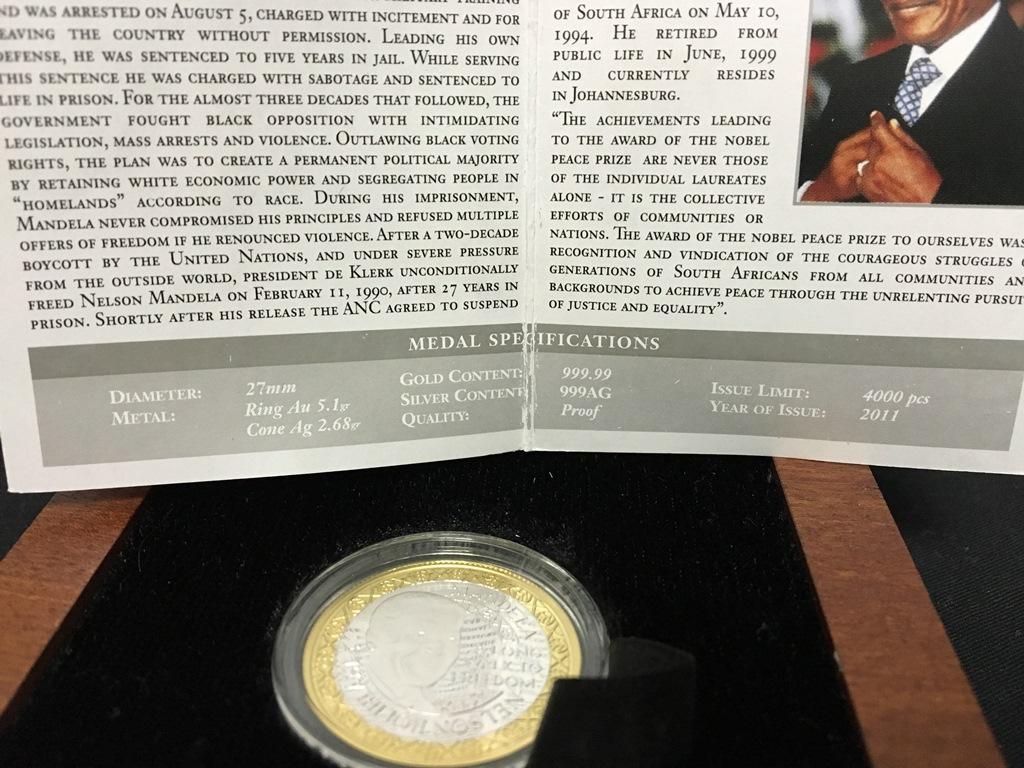 Mandela Bimetallic Medallion (8)