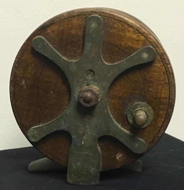 vintage wood fishing reel  (2)