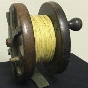 vintage wood fishing reel  (4)
