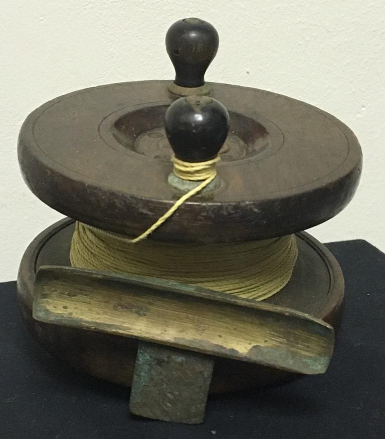 vintage wood fishing reel  (5)