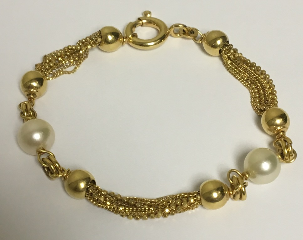 gold-and-pearl-bracelet-2