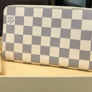 LOUIS VUITTON WALLET (8)