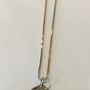 18CT PENDANT AND CHAIN (1)