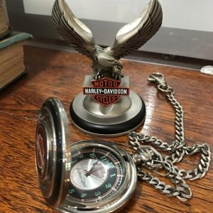 HARLEY DAVIDSON POCKET WATCH ON STAND (3)
