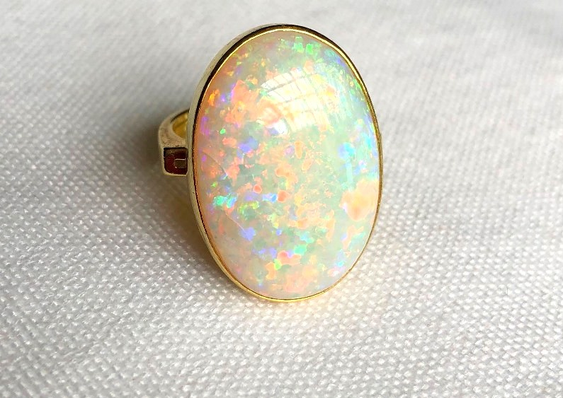 18CT OPAL RING (1)