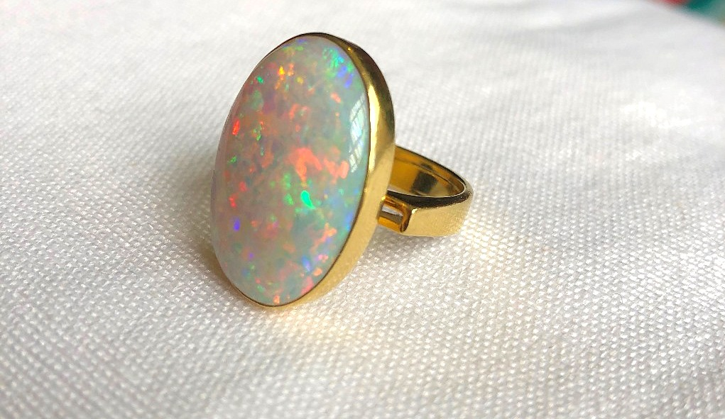 18CT OPAL RING (3)