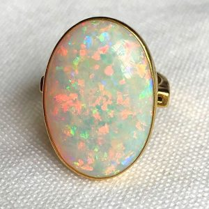 18CT OPAL RING (4)
