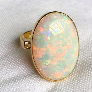 18CT OPAL RING (5)