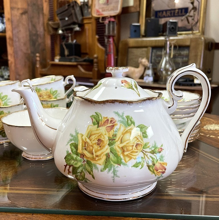 ROYAL ALBERT TEA ROSE (4)