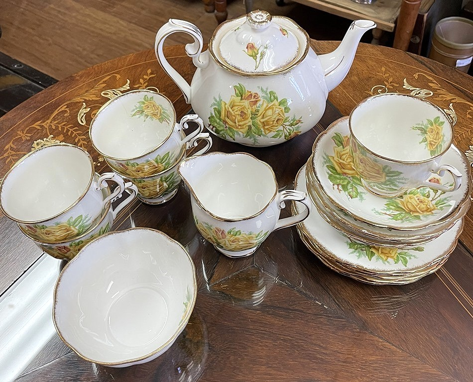 ROYAL ALBERT TEA ROSE (6)